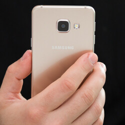 Cheaper smartphones are becoming more popular, according to analysts