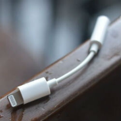 Video of iPhone Lightning to 3.5mm headphone adapter leaks