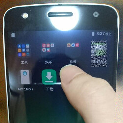 Motorola Moto Z Play poses for pictures