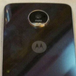 Verizon introduces the Motorola Moto Z Play Droid and the Hasselblad True Zoom Moto Mod