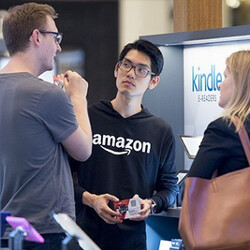 Amazon to open 100 pop up stores inside shopping malls to sell Kindle slates and more