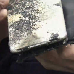 iPhone 6 Plus reportedly explodes while in student's pocket
