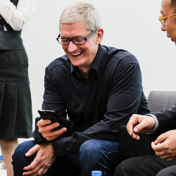 Tim Cook meets Nintendo executives in Japan, gets to play a preview of the first Mario iOS game