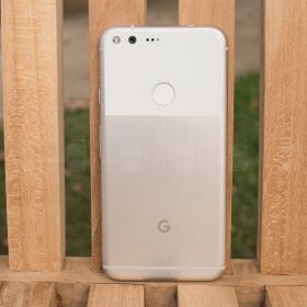 Google Pixel and Pixel XL are guaranteed to receive Android updates until October 2018