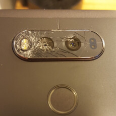LG V20 may have an issue with rear camera glass shattering (UPDATE)