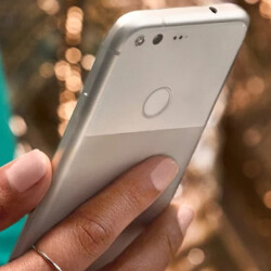 Google to send out update to fix issue with Pixel, Pixel XL cameras that cause halos to appear