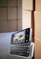 AT&T reported to have ordered 400,000 Motorola Backflips?