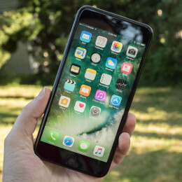 Jet Black iPhone 7 Plus might ship in November after all