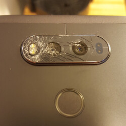 LG V20 #shattergate? Some users are reporting the camera's glass breaks on its own
