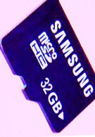 Samsung unveils new 32GB microSD card