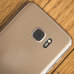 Poll: Glass back on the LG G6, yay or nay?