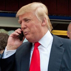 Trump still uses his old un-secured Android phone despite objections from aides