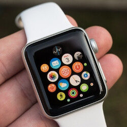 Apple patented a wristband that could increase the Apple Watch's battery life
