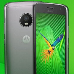 Moto G5 Plus leaks in various poses