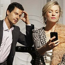 Singles using iOS are more likely to phone shame a date who uses an Android device