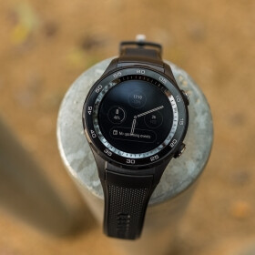 Huawei Watch 2 hands-on: My wrists are way too small for that