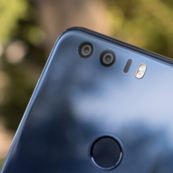 Dual-camera Honor 8 on sale at Newegg: the 64GB version going for $320, the 32GB one - $300