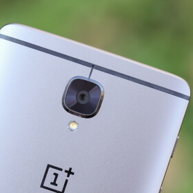 Is your OnePlus 3 or 3T camera bump slightly tilted? (false alarm)