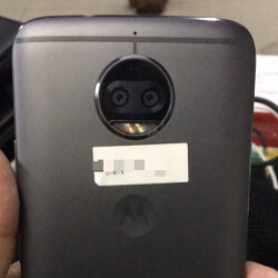 Motorola's Moto X (2017) might have just shown us its curves in live pictures