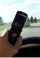 Study finds that cell phone bans have no effect on accident rates