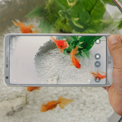 TV ad for LG G6 has the new flagship swimming with the fishies