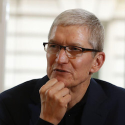 Tim Cook accepts Free Expression Award, makes sly comment on Trump's agenda
