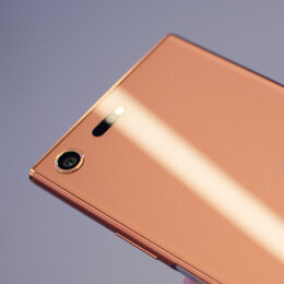 Hands-on with the Bronze Pink Sony Xperia XZ Premium