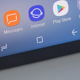 This is what the Galaxy S8 would have looked like if it had a physical home button