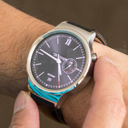 Huawei Watch finally getting the Android Wear 2.0 update