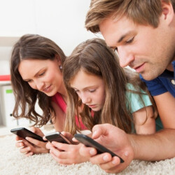 T-Mobile survey finds mobile devices bring families together, not apart