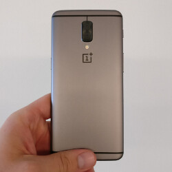 OnePlus 5 prototype appears, dual rear camera and all