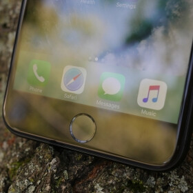iPhone 8 to come with no home button, rumors suggest