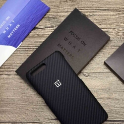 OnePlus 5 launch event invites are out, contain kevlar case with cut-out for dual camera