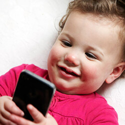 Group in Colorado wants to prevent kids under 13 from owning a purchased cellphone