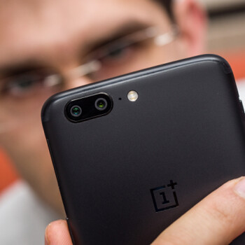 """OnePlus owners are getting """"spammed"""" with notifications to join a survey to win a OnePlus 5"""