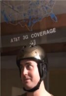 Man takes AT&T & Verizon coverage maps battle to new heights