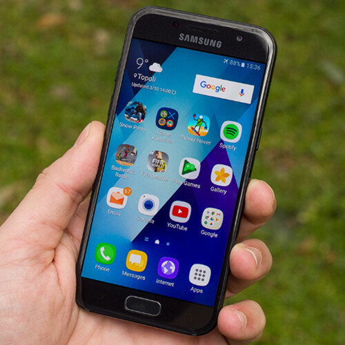 Samsung Galaxy A3 2017 Starts Receiving Android 70 Nougat Update