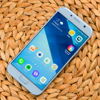 Samsung's Galaxy A5 (2017) is now getting Android 7.0 Nougat