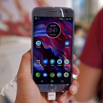 Moto X4 hands-on: upper mid-range beauty with Snapdragon 630