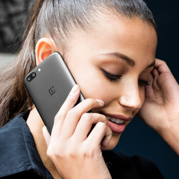 OnePlus 5 128 GB now comes with free headphones (limited time offer)