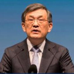 CEO of Samsung Electronics resigns; company forecasts record Q3 operating earnings