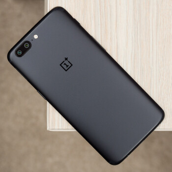 OnePlus 5's new OxygenOS 4.5.14 update adds security patches, optimizations