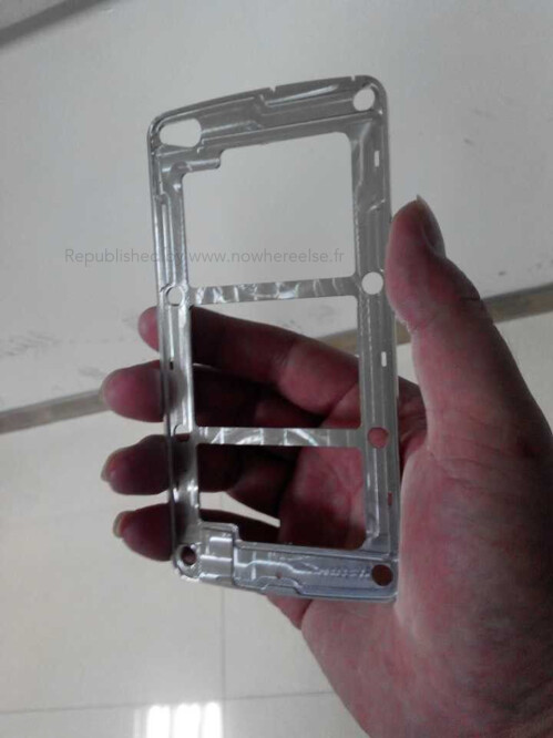 Samsung Galaxy S5 metal frame allegedly leaked, may point to 5.3-inch display