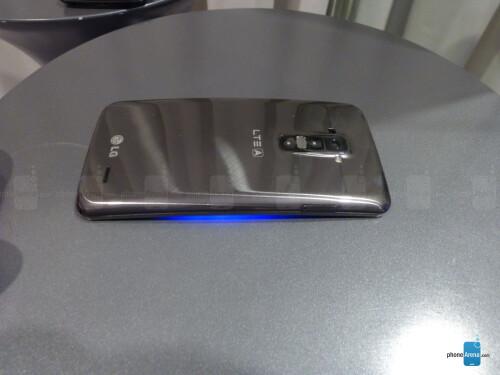 LG G Flex hands-on