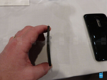 Here is a closer look at the flexible display, battery and more on the LG G Flex
