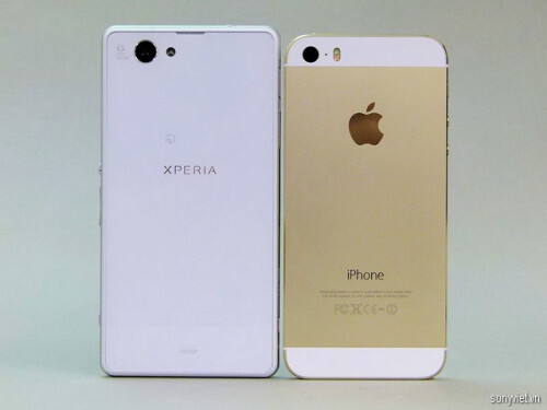 Sony Xperia Z1f compared to iPhone 5s and iPhone 5