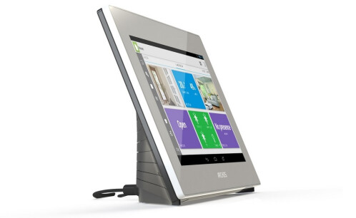 """Archos will bring cheap smartwatches (for Android, iOS) and other """"connected objects"""" to CES 2014"""