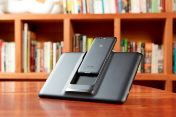 The phone that becomes a tablet: AT&T announces deal to carry the new, Android 4.4 KitKat-touting PadFone X