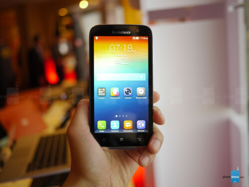 Lenovo A859 hands-on