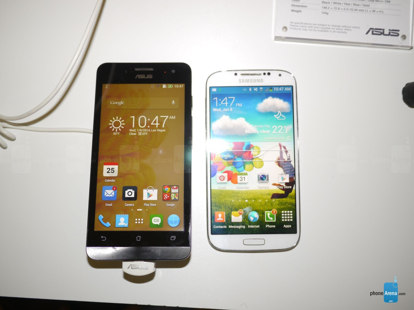 asus zenfone 5 vs samsung galaxy s4 first look phonearena reviews. Black Bedroom Furniture Sets. Home Design Ideas